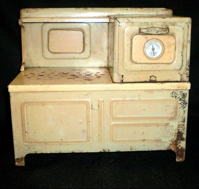 Girard Toy Green/Cream Electric Stove - 1930's